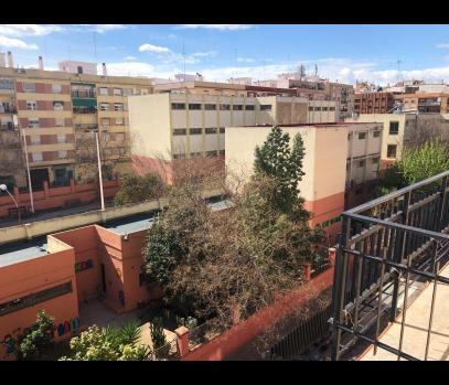 Недорогая квартира под ремонт в районе Торрефьель, Валенсия