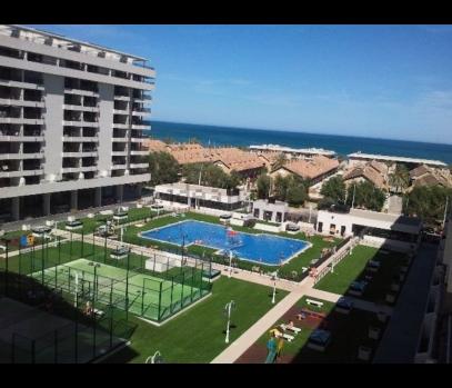Апартаменты в жилом комплексе на пляже, Альборайя, Валенсия.