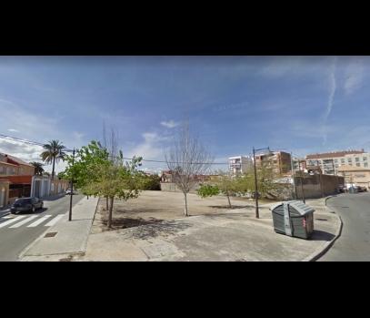 Участок рядом с портом и пляжем Валенсии под строительство