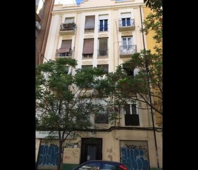Продаётся рентабельное здание с апартаментами в Валенсии,