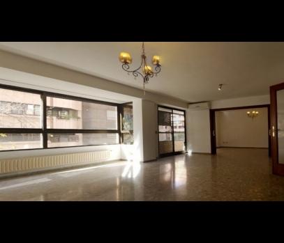 Продаётся просторная квартира в центре Валенсии, Испания