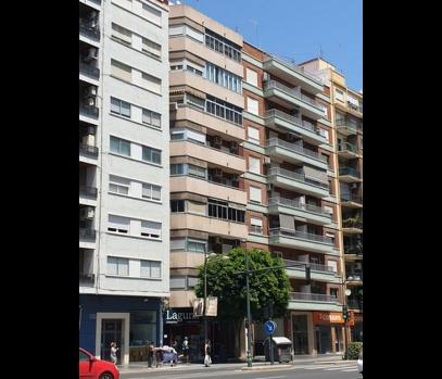 Продажа квартиры под ремонт в престижном районе Валенсии