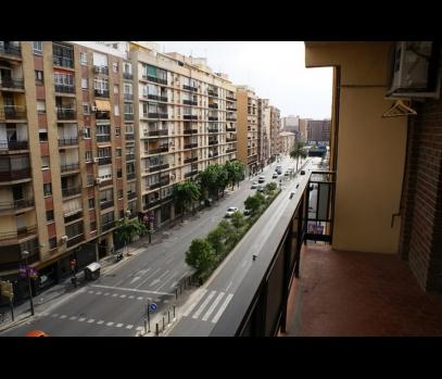 Выгодная продажа квартиры рядом с центром в городе Валенсия