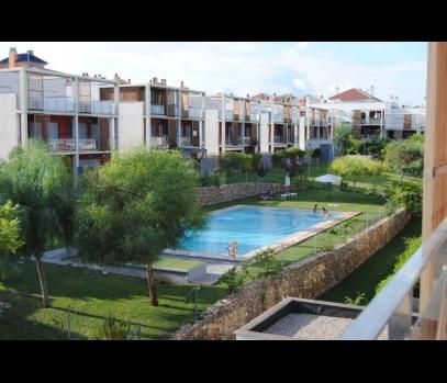 Таунхаус с мебелью в закрытой урбанизации рядом с Валенсией