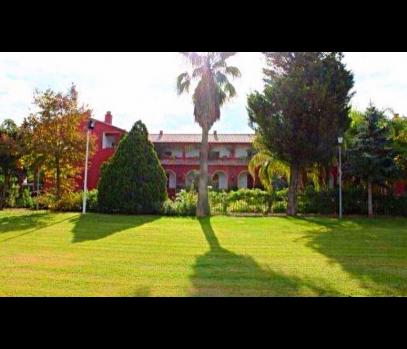 Действующий гостиничный комплекс на побережье, город Валенсия
