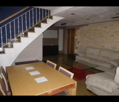 Элитная двухэтажная квартира в Валенсии