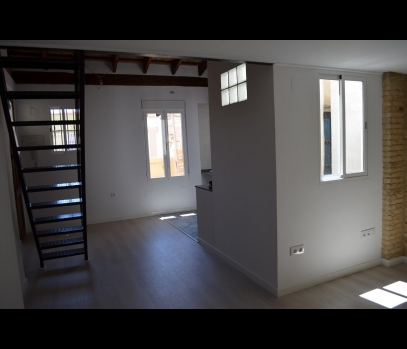 Двухуровневая квартира в центре Валенсии