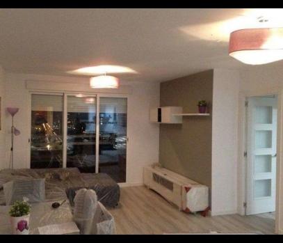 Продажа квартиры с современным ремонтом в городе Валенсия
