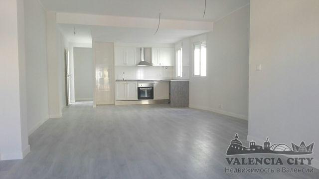 Продаётся квартира с ремонтом в центре города Валенсия, Испания