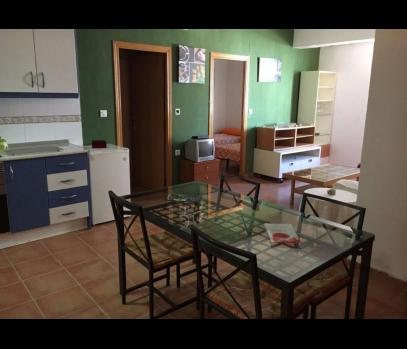 Квартира с ремонтом в спальном в районе Tres Forques, Валенсия