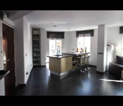 Продажа квартиры в студенческом районе Бенимаклет, Валенсия
