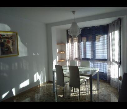 Аренда квартиры в спальном в районе Tres Forques, Валенсия