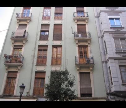 Коммерческое помещение под ремонт в районе Русафа в Валенсии