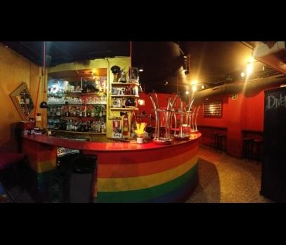 Помещение с действующим баром в центре Валенсии, Испания