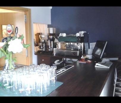 Сдается кафе-бар в пригороде Валенсии