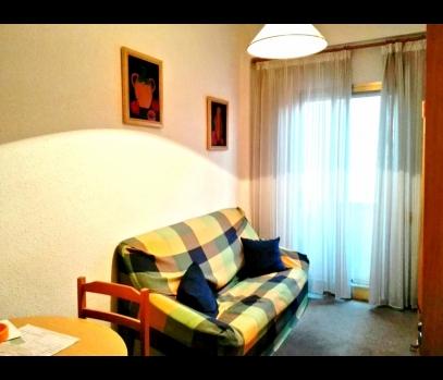 Продажа бюджетной квартиры с балконом в городе Валенсия